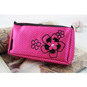 New Adorable Daisy Love Hot Pink Cosmetic Bag (Small