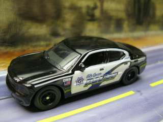 EMERGENCY RESPONSE DODGE CHARGER POLICE COP CAR S SCALE 164